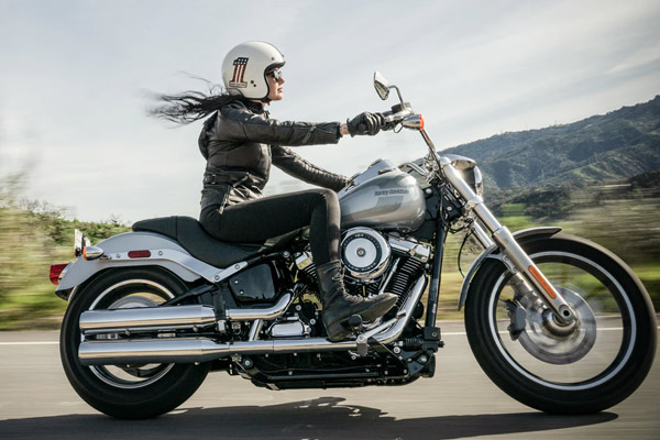 Girl riding motorcycle | Motorcycle insurance